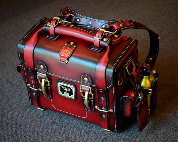 EXPEDITION BAG - Ox Blood