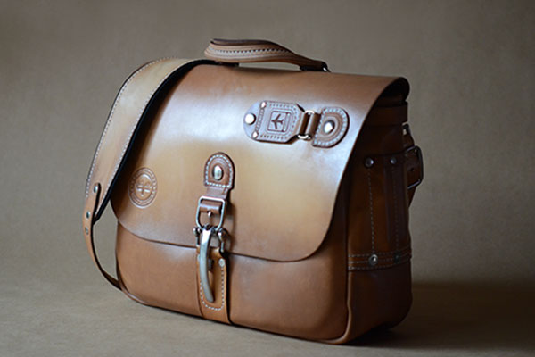 Heirloom Messenger Natural - Nickel Hardware