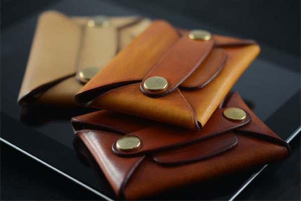 Rivet Wallet - Saddle Leather