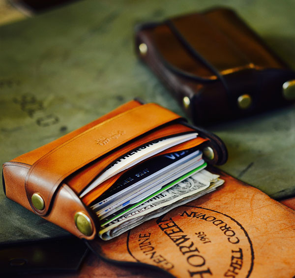 Cordovan Stitch-less Palm Wallet