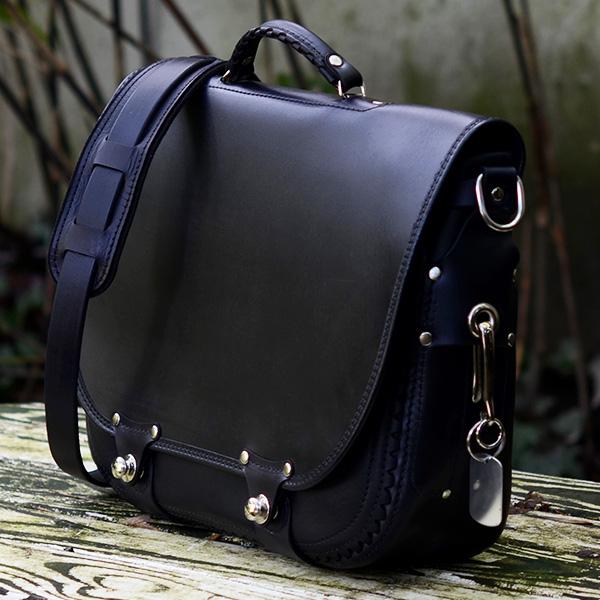 Companion Messenger - Black